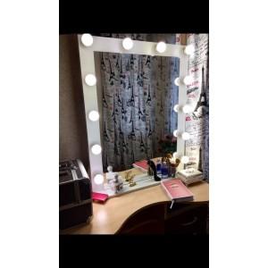 Гримерное зеркало для салона, в белом цвете